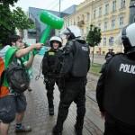 La police se fait attaquer