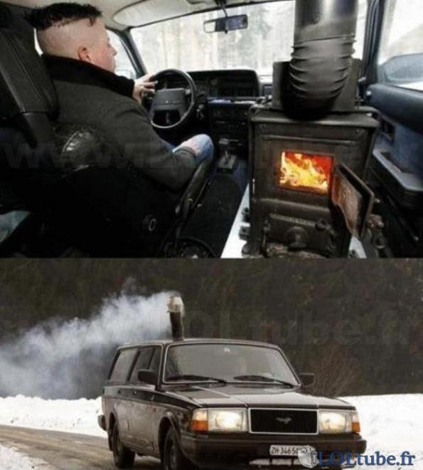 Pendant ce temps, dans une voiture russe