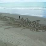 Dessin sur une plage