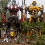 Robots de transformers en taille réelle