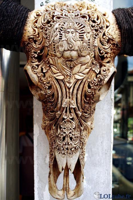 Sculpture sur squelette