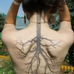 Tatouage racine d'arbre