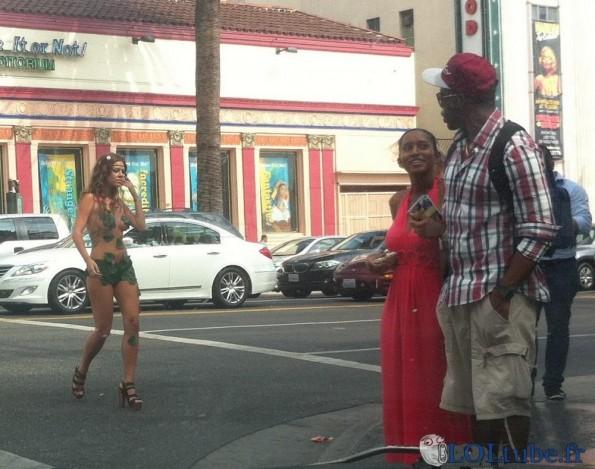 Eve dans la rue