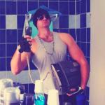 Photo dans la salle de bain avec ...