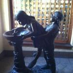 Statue à double sens