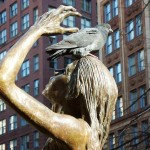 Statue pigeonnée