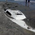 Bateau fusionné avec la plage