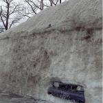 Il a neigé sur la voiture...