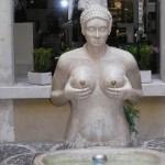 Statue WTF