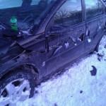 Comment cette voiture s'est cassée comme ça ?