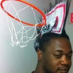 Un panier de basket dans les cheveux