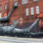 Décoration d'immeuble avec un crocodile