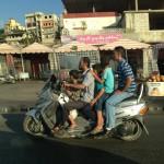 A 5 sur un scooter