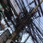 Le bordel de câbles électriques