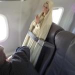 Marie prend l'avion
