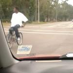 Drôle de façon de faire du vélo