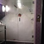 Une douche mousseuse