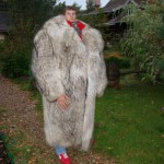 Très gros manteau de fourrure