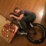 Un vélo pizza