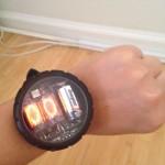Une montre à grosse pile