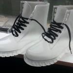 Chaussures en plastique