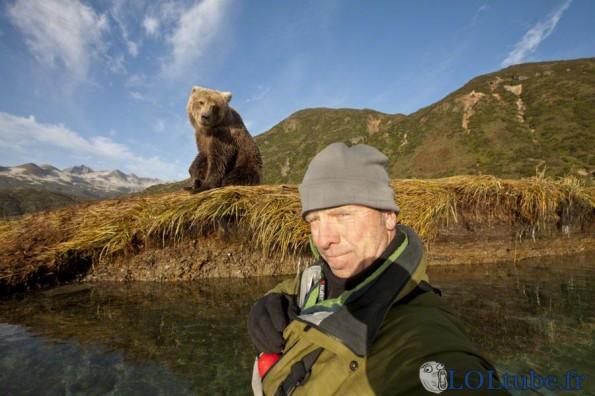 Selfie avec un ours