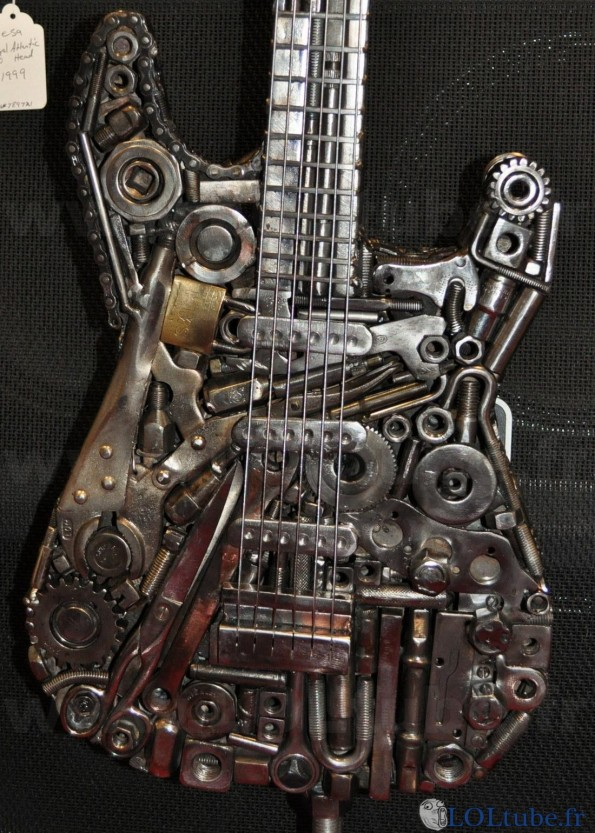Guitare metallique